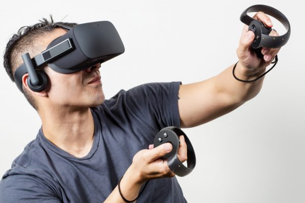 Oculus Riftは、クラウドファンディング当初から話題を集めた。